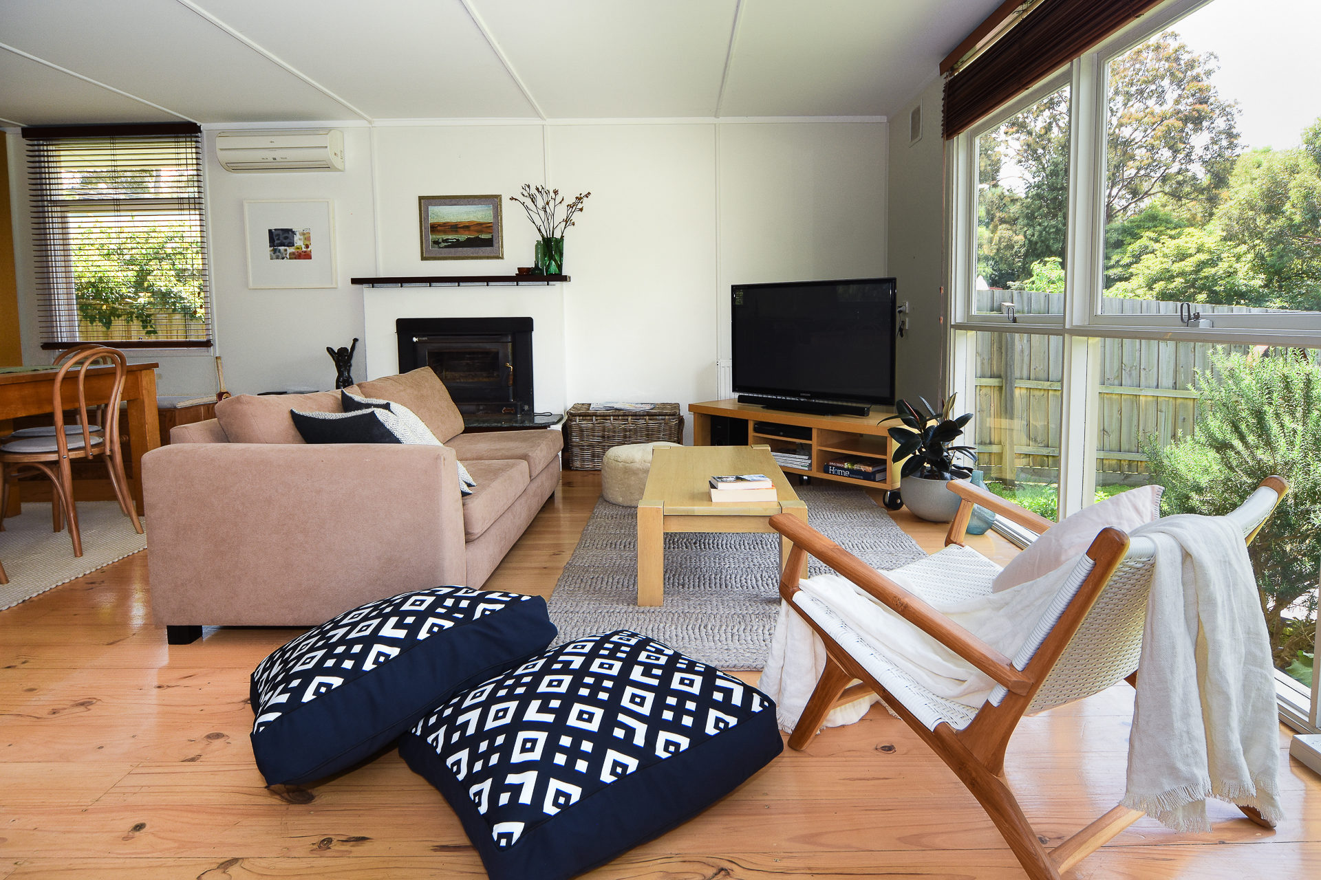 Somers Beach Retreat - Only 200 metres to beach, ideals for couples or small family